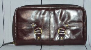 Adrienne Vittadini Brown Leather Clutch Zip Around Wallet Credit Card Id Check
