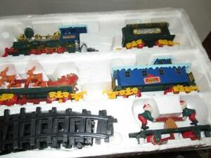BATTERY OPERATED LARGE TRAIN SET- INCOMPLETE / GOOD PLAY VALUE - B1