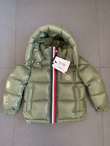 Boys Moncler MONTBELIARD Hooded Down Jacket Age 6 new and 100% Original! Puffer