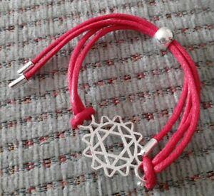 AVON Chakra Kordel Armband Rot mit Charme