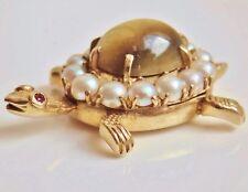 VINTAGE 9 Kt gold oro pendente con OCCHIO DI GATTO CRISOBERILLO, Pearl & Ruby c1963