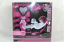 Monster High Bathroom with make-up table from 2011 new in package