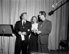 OLD TV PHOTO Van Johnson Dinah Shore And George Montgomery
