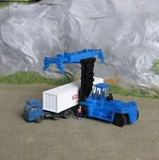 1:160 1:150 Spur N scale Container Stapler Reachstacker Gabelstapler 2 Versionen