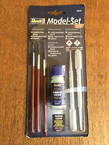 REVELL 29620 Model Set Plus PAINTING 3 x Paint brushes Brush Cleaner 2 Pipettes