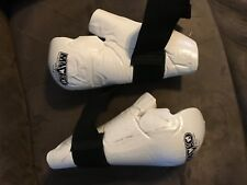 YOUTH - MARTIAL ARTS  SPARRING  PROTECTIVE GEAR -  MACHO -  Medium