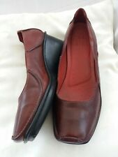 Clarks active air ladies shoes  size 7 wedge moccasins burgandy leather