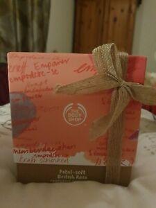 The Body Shop Glowing British Rose Gift Box - Yogurt, Soap, Hand Cream, Shower