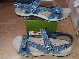 NEW $69 Womens Earth Origins Sophie Sandals, size 11        shoes