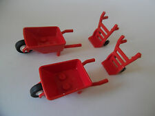 Lego Figuren: 2 Schubkarren, 2 Sackkarren
