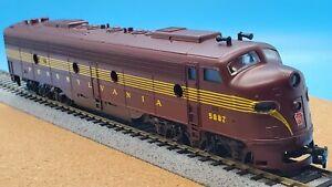 Vintage AHM Rivarossi HO Scale 5128 PRR Pennsylvania RR GM Diesel E8 Powered