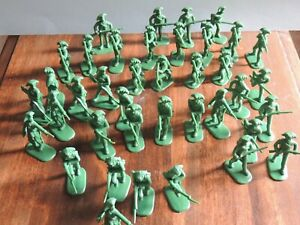 Armies in Plastic VT colonial soldiers 1/32 Double set