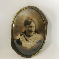 """Antique Brass Gold Leaf Detail Oval Convex Glass Portrait Picture Frame 17"""" Tall"""