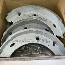 genuine VW LT REAR REAR HAND BRAKE SHOES WITH SPRINGS . 2D0698525-A