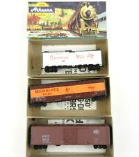 3 Athearn Ho Cars:1602 Carnation Reefer,1330 Milwaukee,5057 Nyc Boxcr~Built~T124