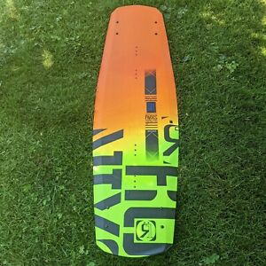 Ronix Parks Camber ATR Wakeboard 134 air Alloy ramp fins Clean water sports