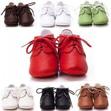 Baby-Schuhe aus Leder mit Schnürsenkeln