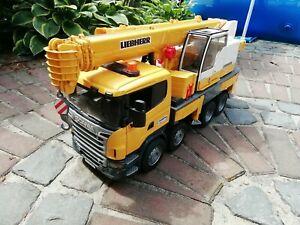 BRUDER Scania Liebherr Kran-LKW