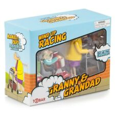 WIND UP RACING GRANNY AND GRANDAD - 27470 CLOCKWORK CLASSIC RACE KIDS FUN TOY