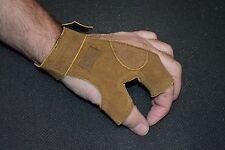 New LARP Brown Left Hand Archery Glove size medium ( refG7box#45 )