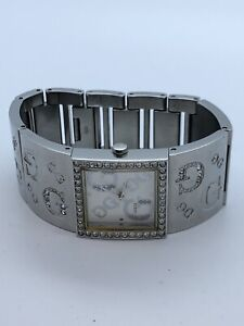 GUESS Quartz Wrist Watch for Women Stainless Steel With Jewels (85)