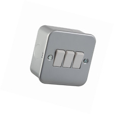 Knightsbridge M4AV000 10A 3-Gang 2 Way Metal Clad Switch - Silver