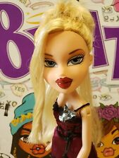 Bratz Doll Step Out Cloe Blonde with original clothes shoes pants top