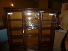 Dark Oak 3 Door Show Cabinet