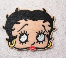 ÉCUSSON PATCH BRODÉ thermocoll​ant - FILLE PIN-UP TÊTE BETTY - 6,5 X 5 cm