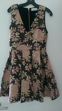 $440 NWT Alice and Olivia Willow Pleated Floral Jacquard Fit Flare Dress Size 6