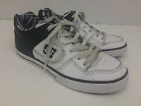 DC MEN'S WHITE AND BLACK SKATEBOARD SHOES IN EUC Size 10