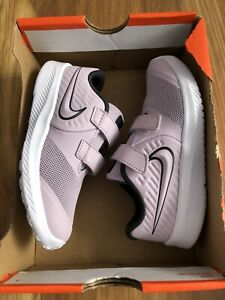 New Girls Nike Trainers Size 9.5 Child