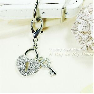 Dog/Cat Luxury Cute Collar Charm- A Key To My Heart Pet/Animal Crystal Silver