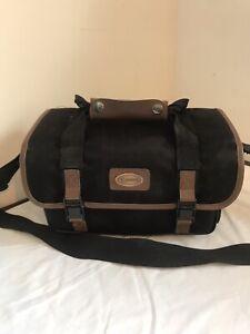 Genuine Canon Shoulder Camera/Camcorder Bag.