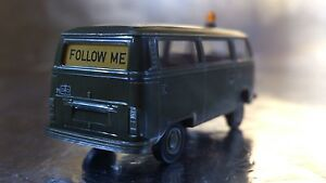 * Brekina 33200 VW T2 - FOLLOW ME - Military Personnel Bus 1:87 HO Scale