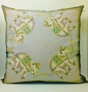 Jim Thompson Elegant Elephant 100% of Thai Silk Pillow Case Cover decorative.