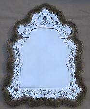 Miroir écusson Véronèse avec au centre miroir biseauté