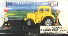 HO 1/87 sc Die Cast Tractor Diorama w/  Worker & 2 Road Signs  NRFB