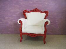 Poltrona Barocco rosso ferrari in ecopelle bianca