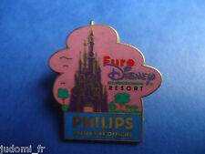 Pin's pin ARTHUS BERTRAND EURO DISNEY PHILIPS LE CHATEAU ROYAL (ref L26)