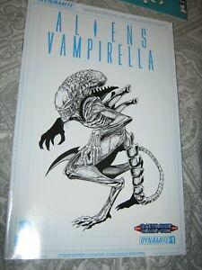 Variant Comic Book Dynamite 2015 NM+ 9.6+ Aliens Vampirella 1 Scarce Low Print