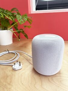Apple HomePod Smart Speaker - White - Mint Condition - Packaged