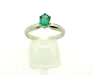 Classic 14k White Gold Oval Cut EMERALD Engagement Ring size 7.75