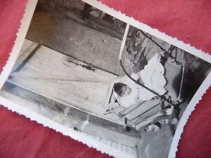 PHOTOGRAPHIE ANCIENNE ,poussette , voiture d'enfant   , photo