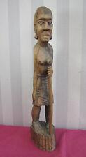 AFRIQUE 1920-30 / STATUETTE BOIS FEMME AVEC SON BATON hauteur 48cm
