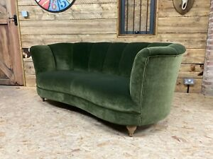 Arlo & Jacob Sephy 3str sofa medium green velvet cocktail Art Deco retro vintage