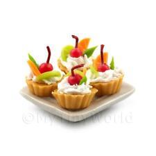 4 Casa De Muñecas Miniatura Mezcla Frutas Pasteles en una 19mm Plato Cuadrado