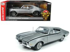 Autoworld 1:18 1968 Oldsmobile Cutlass Hurst/Olds Silver American Muscle AMM1143