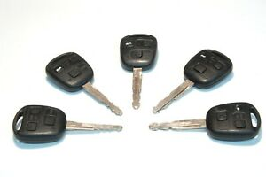 5 x Toyota 3 button keys 736716-A , fobs, remote, Avensis, Yaris, Auris