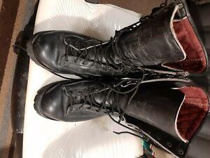 danner boots 10.5 Ft Lewis